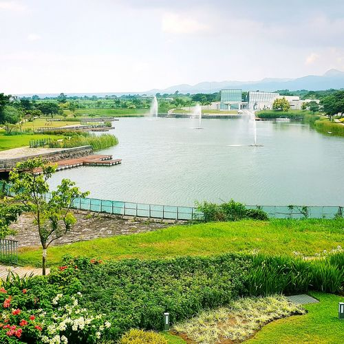 That view. ♡♡♡ Manmade lake. 😍 Nuvali Santa Rosa Laguna Eyeem Philippines Lake Eyeem Pinay Nature Samsung Galaxy Note 4