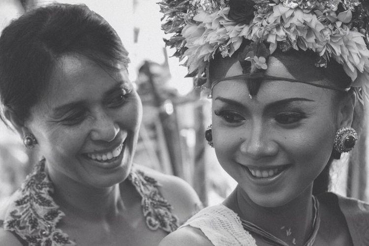 Expression... Mother & daugther Monochrome Blackandwhite Wedding Bali