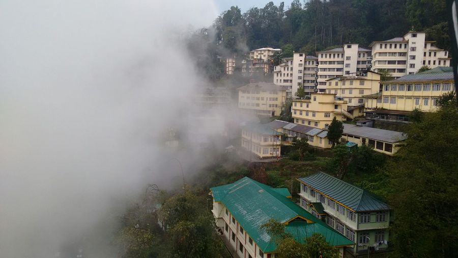 Finaly touching da clouds..feeling lyk heavn.. GangtakCity.. Sikkim..