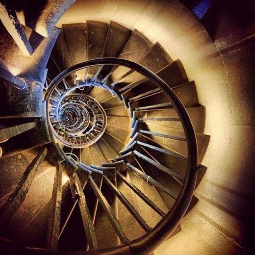 Architecture Light Art Beauty Stairs London Staircase Steps Dizzy Monument Spiral Instagood Instalike Lovelondon Thisislondon Roundandround Ukpotd Pointand5hoot Love_britain London_enthusiast