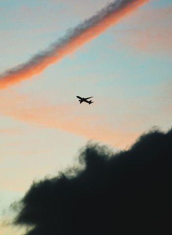 Flugzeug Airplane Sky Air Vehicle Cloud Transportation EyeEm Gallery Silhouette Flyaway Airplane Clouds Berliner Ansichten Berlin Schönefeld Airport (SXF) Schönefeld Airport Airport Airplaine Break The Mold
