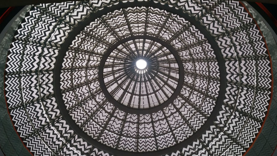 Artificial Sun Circle Pattern Directly Below Low Angle View Concentric Indoors  Full Frame First Eyeem Photo EyeEmNewHere