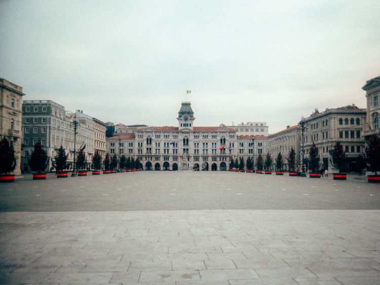 Architecture Building Exterior Capital Cities  Façade Famous Place International Landmark Italy Old Town Piazza Dell'unità Postprocessing Town Square Trieste Vignette