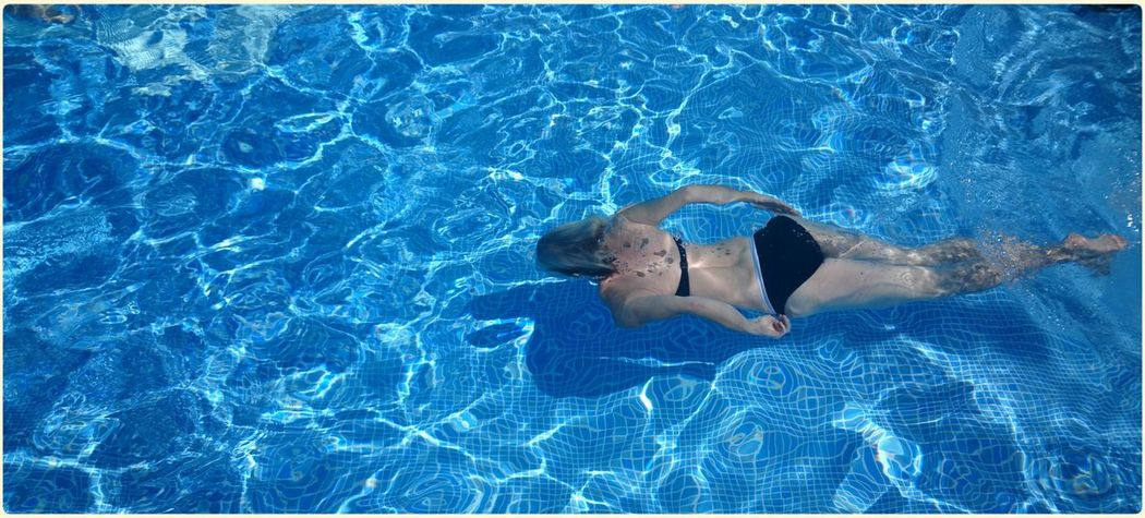 Taking Photos Relaxing Portrait Of A Friend Swimming Pool Poolday Swimming Around