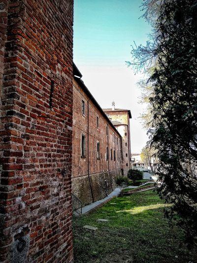 San Colombano al Lambro, Marzo 2019 Hdr_Collection Outdoors Castle Historical Building Historical Site Sky Architecture Building Exterior Built Structure