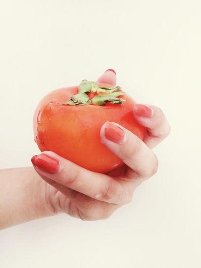 美甲时挑的南瓜色 无意中发现 原来是 柿子色。