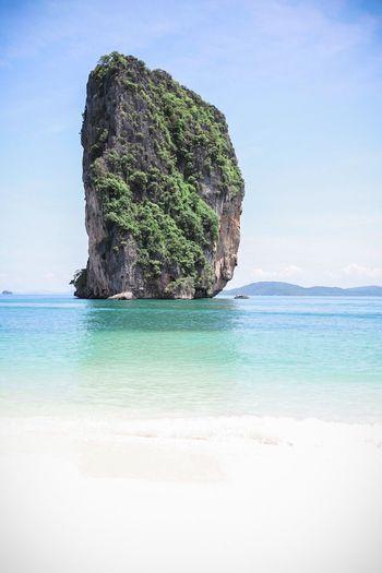 Love this wonderful Phra Nang beach. The sand was so bright, I didn't need a reflector for portraits. Phranang Beach Beach AoNang Island Landscape Rock