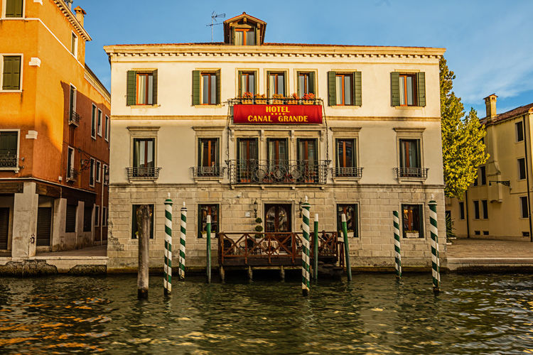 Venedig Venedig, Ohne Touristen, Lagune, Frühling, Venice, WithoutTourists, Springtime, City, Sea, Water, Historical, Old Town Architekture Canala Grande Colerfull Hotel Waterfront