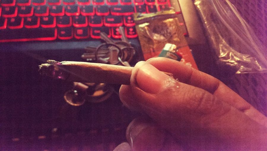 Blunt Smoke, This Blunt Is Like No Other.. This Is Me with my Own blunt SMOKE WEED EVERYDAY