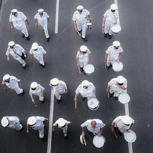 Men In White Duesseldorf Capturing Freedom Walking Around The EyeEm Facebook Cover Challenge Unlikely Heroes Everybodystreet Streetphotography The Week On EyeEm Parade