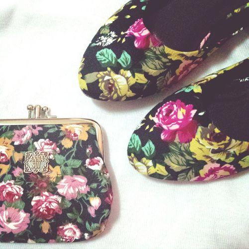 Love Floral Shoes & Wallet/ Coinpurse. ??