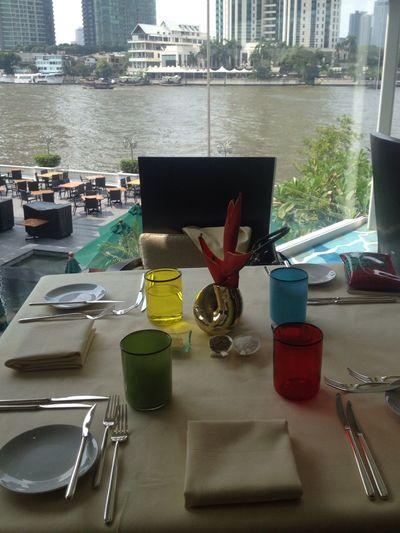 Riverview Resturant Enjoying Life