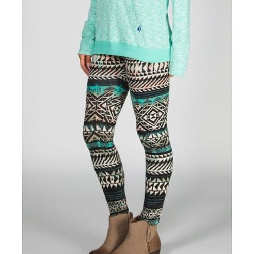 Can't wait for these bitches to get here ❤️ Leggings Yoloswag2k14 SeriouslyTho Theseareperfect