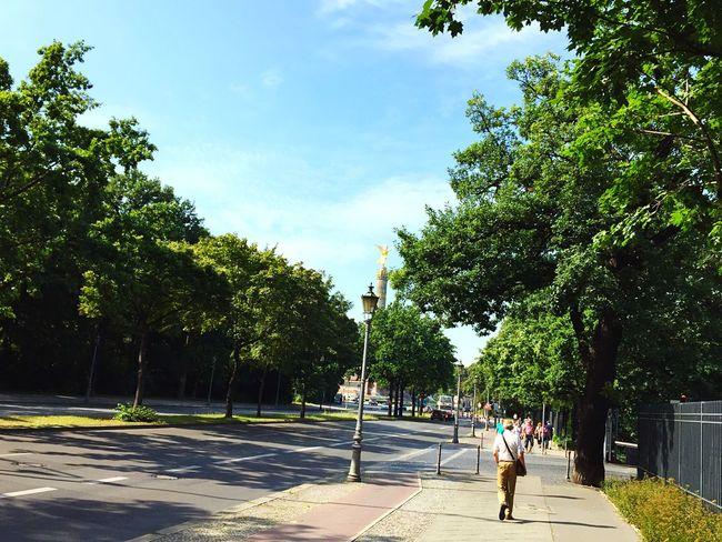 Berlin Siegessäule  Walk This Way