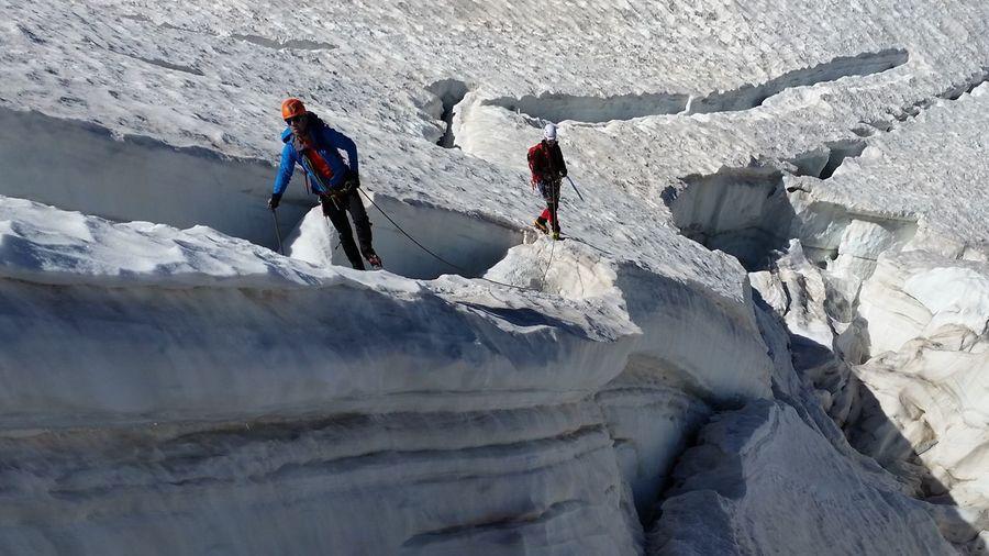 Glacier romance 😎 Teamwork Snow Mountain Granparadiso SummerAlps Alpine