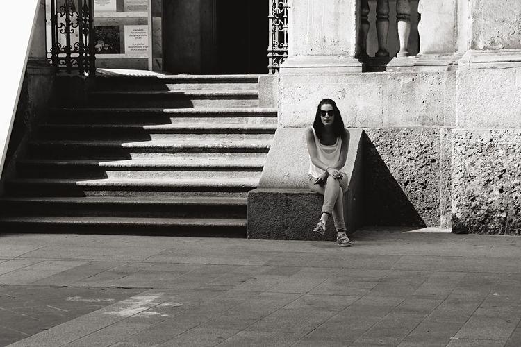 Light And Shadow EEA3-Milano The Global EyeEm Adventure Open Edit Monochrome Streetphotography Blackandwhite EyeEm Bnw Beautyisourduty EyeEm Best Shots