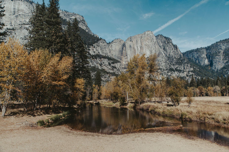 Beautiful Yosemite valley. Yosemite National Park Yosemite Valley Valley Mountains Trees And Nature Fall Tree Beauty In Nature No People Mountain Outdoors Day Nature Sky Fall Colors Water