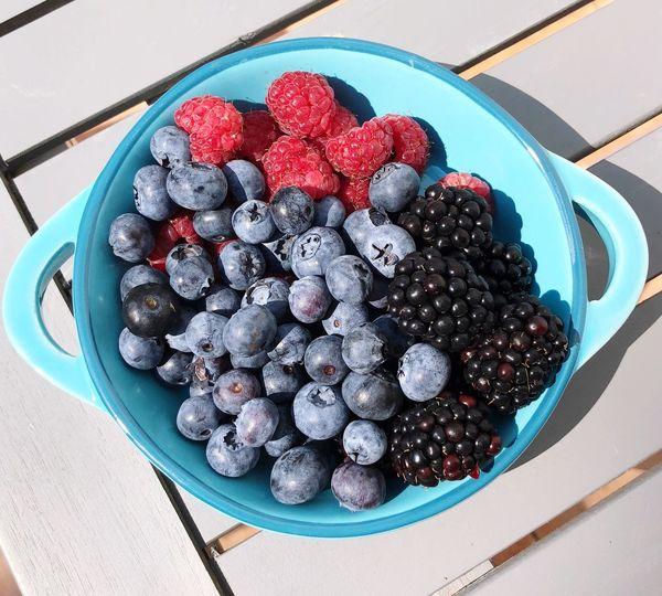 Himbeeren Brombeeren Heidelbeeren Früchte Blackberry Berry Fruit Fruit Food Healthy Eating Freshness Food And Drink Raspberry Blueberry