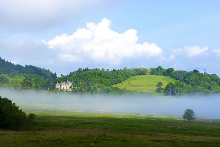 The beauty of Scotland. Land of the hills ! Scotland Scottish Hills Landscapephotography Nature Nature Photography Hebrides IsleofMull Castle Castleview Panoramic View EyeEm Nature Lover Mist Holiday2016 Outdoors Hiking Enjoying The Moment Aperfectday  Travelling Green GreenNature
