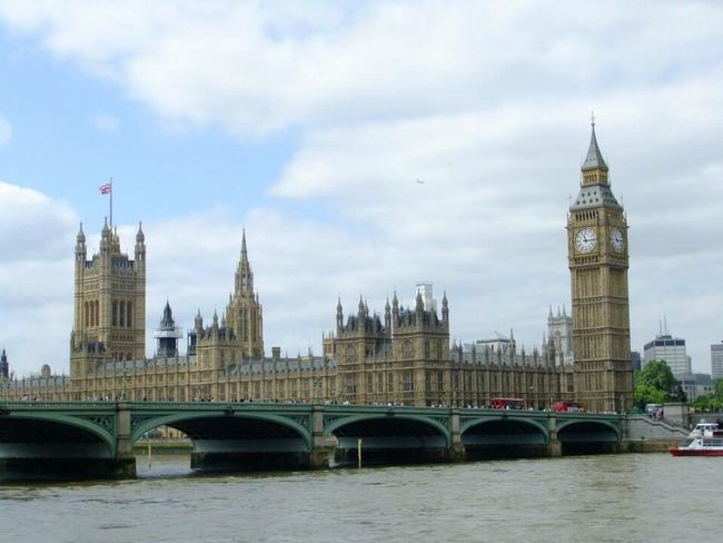 Big Ben and the Houses of Parliament, London London Big Ben Big Ben, London Houses Of Parliament Thames River Thames Architecture Building Famous Place Capital City Travel Destination Tourism What's On The Roll