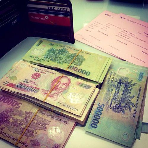Những đồng tiền cuối cùng còn sót lại của tui đã trôi theo học phí :(( Hết tiền hết máu nhịn ăn chơi!!!