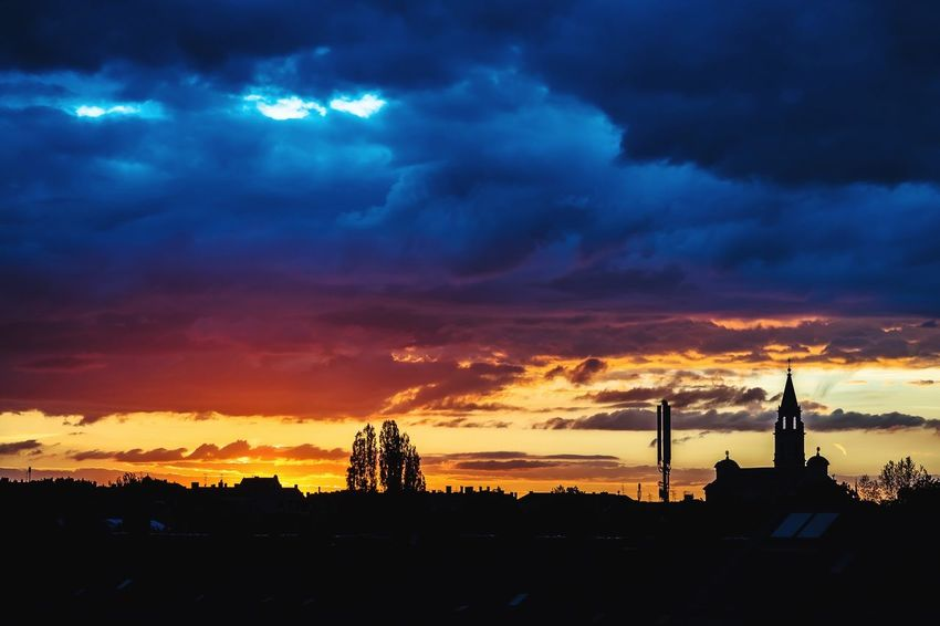 No filters needed: Amazing sunset in Munich Cloud - Sky Sunset Sky Silhouette Architecture No People Built Structure Outdoors Building Exterior Nature Beauty In Nature