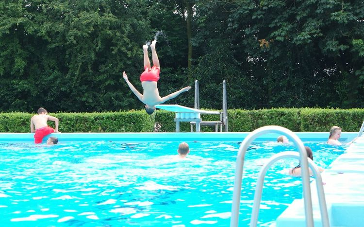 Outdoor Activity Playing Outside Splashing Water Splash Splashing Kids Swimming Summer Holidays Happy Children Weekend Activities Diving Clear Water Swimming Time Swimming Pool Water Jump Jumpshot Sommergefühle