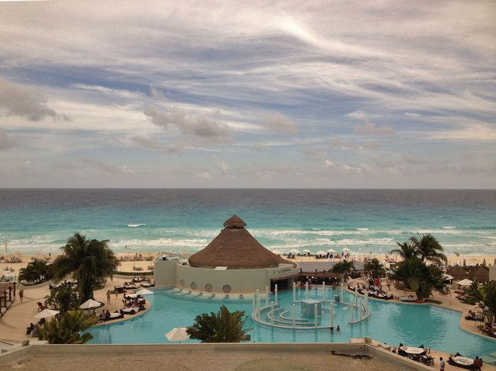 Hotel Against Sea