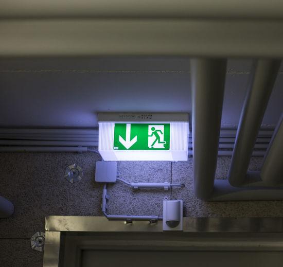 Basement Dark Escape Escape Route Fluchtweg Information Information Sign Keller No People Schild