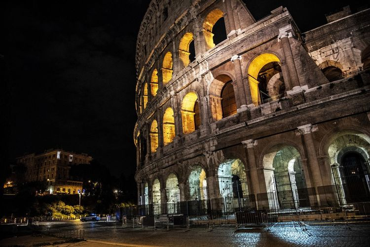 Colosseo Arch Architecture Building Exterior Built Structure City History Illuminated Incidental People Nature Night Sky The Past Travel Travel Destinations