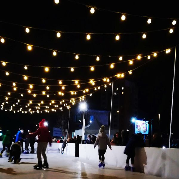 Skating Ice Rink Popular Music Concert City Audience Ice Hockey Men Crowd MOVIE Ice-skating Illuminated Skating Music Concert Concert Ice Skate Stage Light Live Event Winter Sport