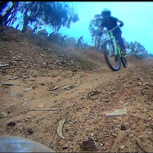 Su buen Dh ?mas mala la calidad :( Gopro Identibikes Dirtjump downhill dirt dirtybike descenso dirjumping laserena zendirt mtb ??