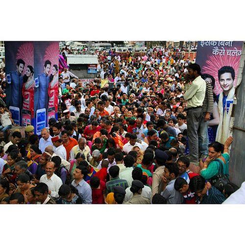 Devotees during kullu international Dussehrah festival Kullu Dussehrah Devotees Dhaulpur festival himachalindiaigasiaigersjournalism_soi