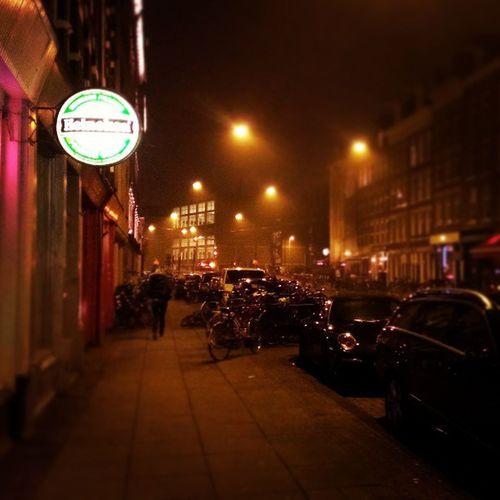 21時を過ぎて、ようやく日が落ちる。Amsterdam Holland Nightwalk Heineken