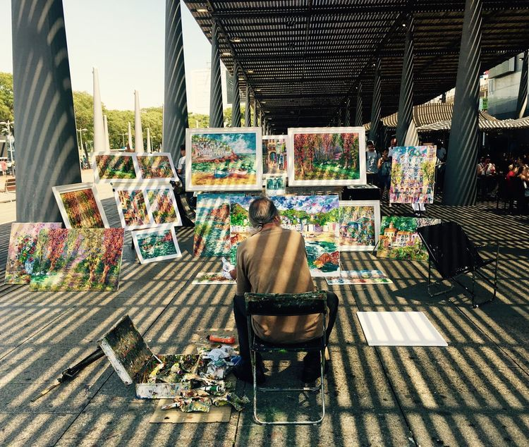 Art Streetphotography Street Art Colors Painting Artist Barcelona Oil Painting Artistic Streetart Painter Colorful Color Explosion Amazing Color Colorsplash Shadow Love It Colour Of Life TakeoverContrast Business Stories Adventures In The City Adventures In The City