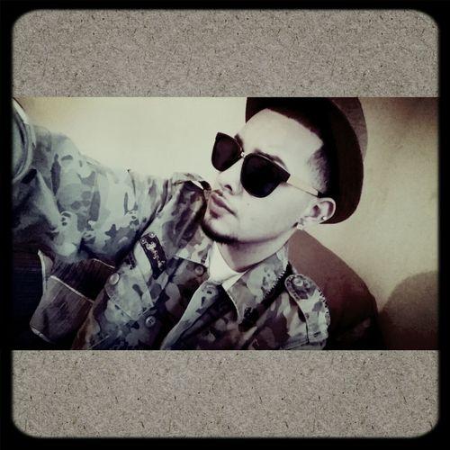 Clyde De'Kelli ? Model Singer  Selfie
