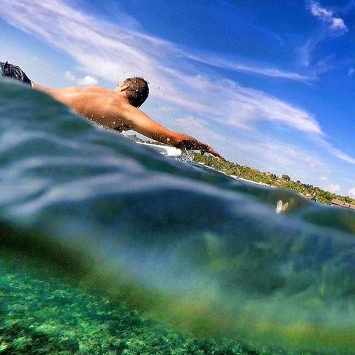 @wmacwright is Paddeling his wave in Balangan ☝☝☝☝☝😍🌊🌊🏄🏄 Wave Sea ocean surf surfing halfandhalf cliffs bluesky crystalwater bali indonesia weloveindonesia friends happy fun instagood traveling warrenjc