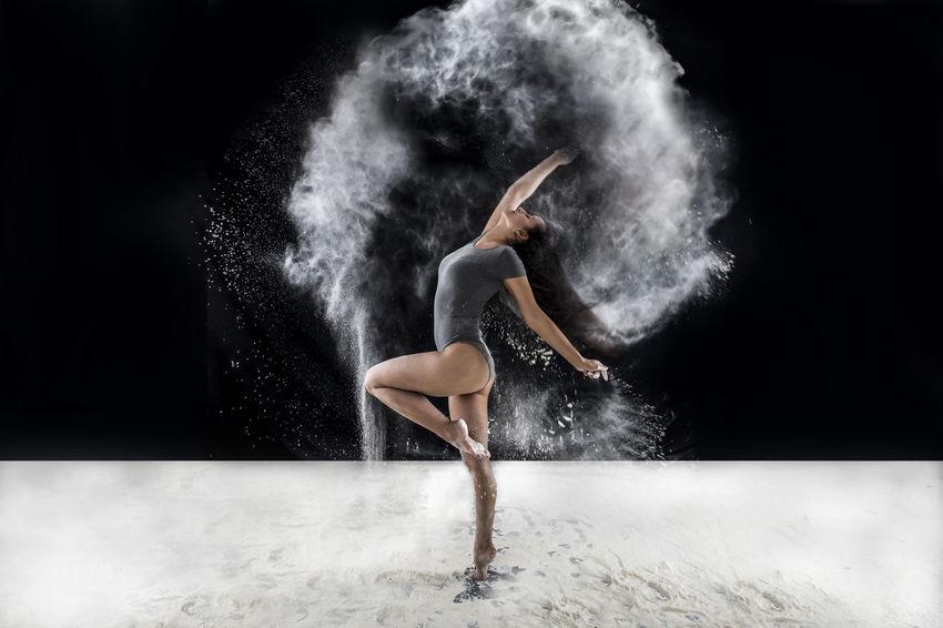 Beautiful Body & Fitness Dance Poelart Shapes Beautiful Woman Beauty Body Curves  Movement Passion Pole Polefitness Sport Women Of EyeEm Women Portraits Womenphotography