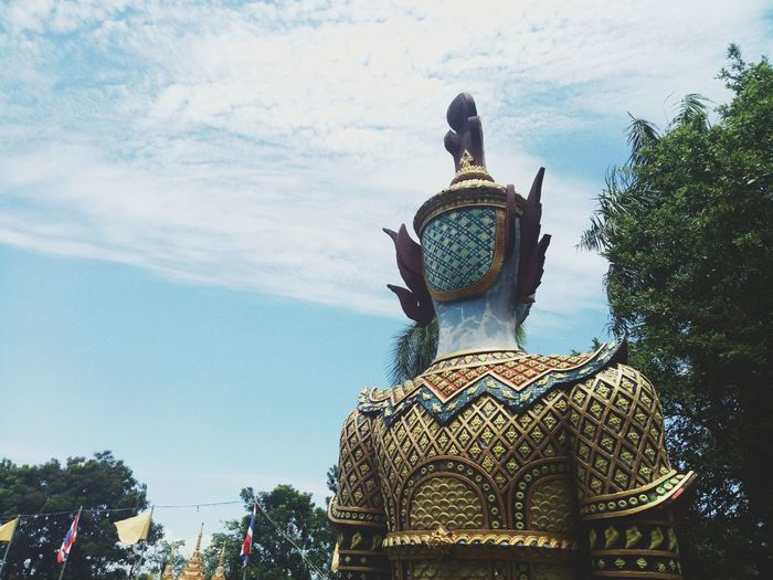 Thailand Temple Sky Suit Of Armor City Army Soldier Shield Statue Military Army History Sword Rear View