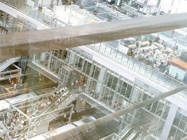 Station Center City Platform Escalator Glass Reflection High Angle View Modern Roof Osaka Station 大阪駅