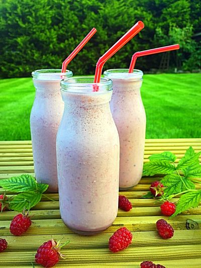 Raspberries Superfoodsuperboost Milkshake♥ Refreshment Beverage Healthy Drinks Delicious Summer ☀ Garden Photography Garden Homegrown Smoothie Time  Smoothies Raspberryseason Creamy Thickshake Dairy Smoothie Time  Refreshing :) Food And Drink Refreshingdrink