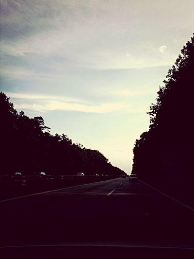 Ab nach Hause, Richtung Norden. Berlin Home Autobahn Auf Wiedersehen