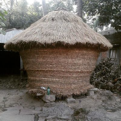 Respect your Fellow Farmers who preserves Rice for you like this. These Containers are made of Straws and keeps them free of insects and bugs. India @exploringindia @incredibleindiaofficial Igerskolkata Village Paddy Crops Countryside Ig_countryside