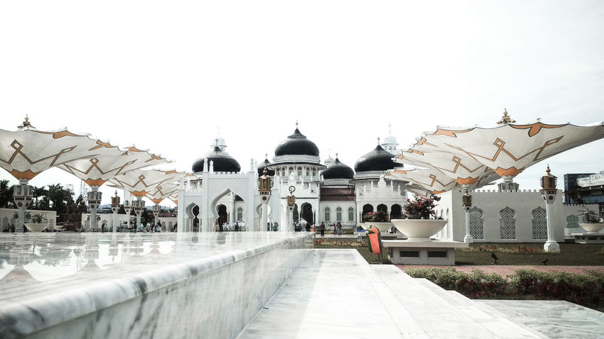 Baiturrahman Mosque Mosques Of The World Mosque Architecture Aceh Aceh, Indonesia EyeEm EyeEmNewHere EyeEm Best Shots City Dome Place Of Worship Religion Spirituality Sky Architecture Building Exterior Built Structure Historic