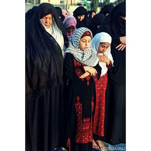 خذيني معك ياجدتي لاصلي بجانبك .. صلاة_العيد بالعراء _منطقة الزنه