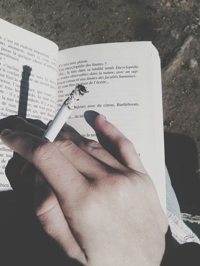 read and smoke