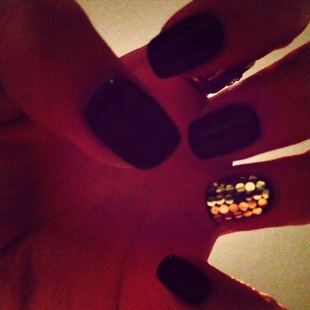 Nails Gold BlackKaen
