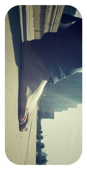 脱了鞋走,简单,放松