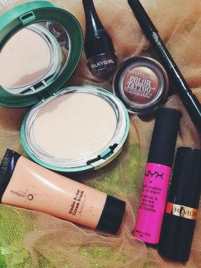 Inside my bag Makeup Nyxcosmetic Wardahbeauty Maybelline