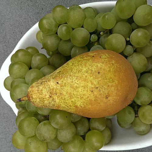 Nature_collection Birne und Trauben Beautiful Nature Früchte Nature Ernte Looking Forward Danken